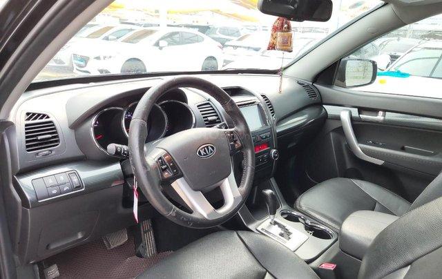 Cần bán xe Kia Sorento đời 2015, màu đen, số tự động7