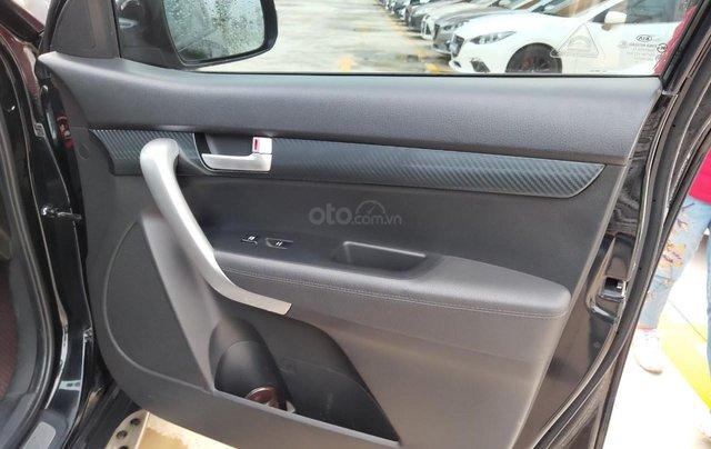 Cần bán xe Kia Sorento đời 2015, màu đen, số tự động14