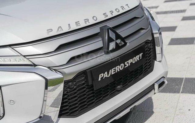 Hỗ trợ mua xe giá thấp chiếc Mitsubishi Pajero Sport D4x4 AT Pre đời 2020, giao nhanh13