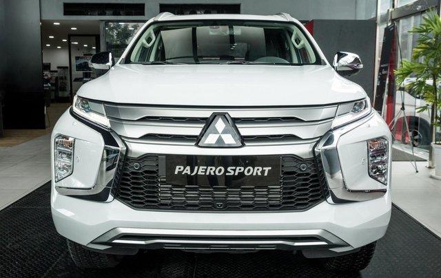 Hỗ trợ mua xe giá thấp chiếc Mitsubishi Pajero Sport D4x4 AT Pre đời 2020, giao nhanh4