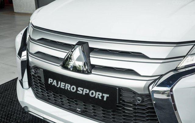 Hỗ trợ mua xe giá thấp chiếc Mitsubishi Pajero Sport D4x4 AT Pre đời 2020, giao nhanh10