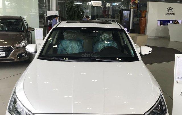 Hyundai Elantra năm 2020 (tại Đắk Lắk), xe màu trắng ngọc giá 647 triệu (còn thương lượng)0