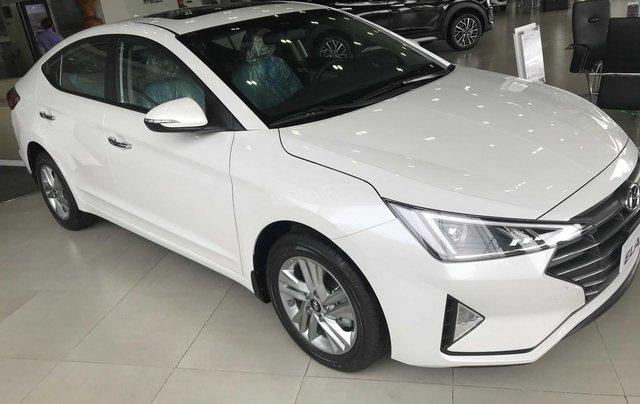 Hyundai Elantra năm 2020 (tại Đắk Lắk), xe màu trắng ngọc giá 647 triệu (còn thương lượng)1