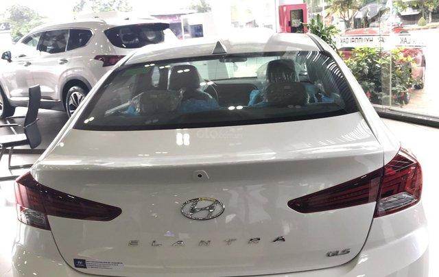 Hyundai Elantra năm 2020 (tại Đắk Lắk), xe màu trắng ngọc giá 647 triệu (còn thương lượng)2