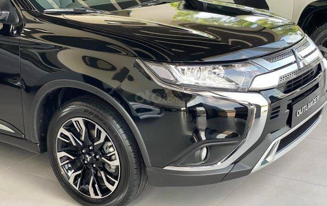 Bán xe Mitsubishi Outlander SX 2020, màu đen, số tự động0