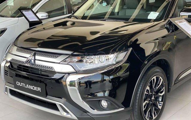 Bán xe Mitsubishi Outlander SX 2020, màu đen, số tự động4