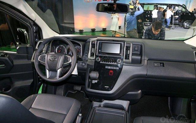 Cần bán xe Toyota Granvia đời 2020, giao xe nhanh3