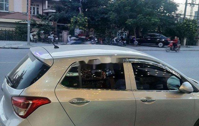 Bán xe Hyundai Grand i10 sản xuất 2014, màu bạc, xe nhập, giá chỉ 242 triệu2