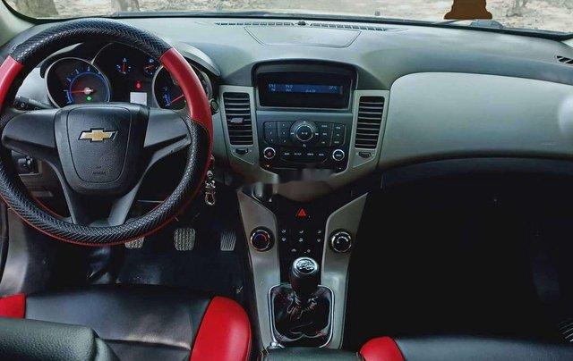 Cần bán gấp Chevrolet Cruze sản xuất 2012, màu đen chính chủ 9