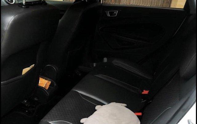 Cần bán xe Ford Fiesta đời 2014, màu trắng, nhập khẩu3