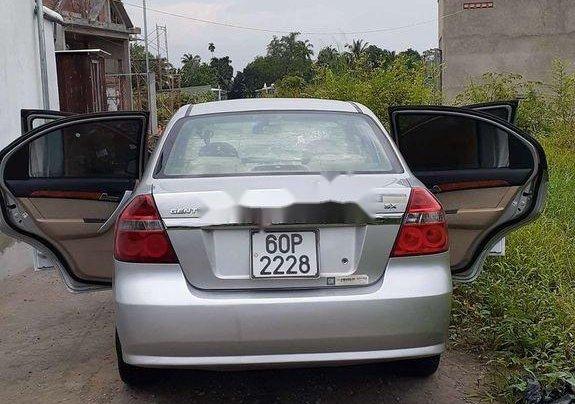 Chính chủ bán lại xe Daewoo Gentra năm 2010, màu bạc4