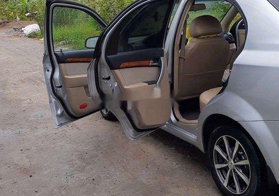 Chính chủ bán lại xe Daewoo Gentra năm 2010, màu bạc6