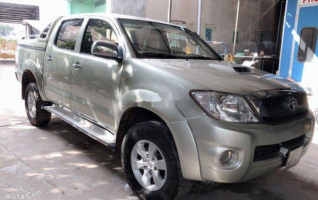 Cần bán lại xe Toyota Hilux năm 2010, nhập khẩu nguyên chiếc còn mới2