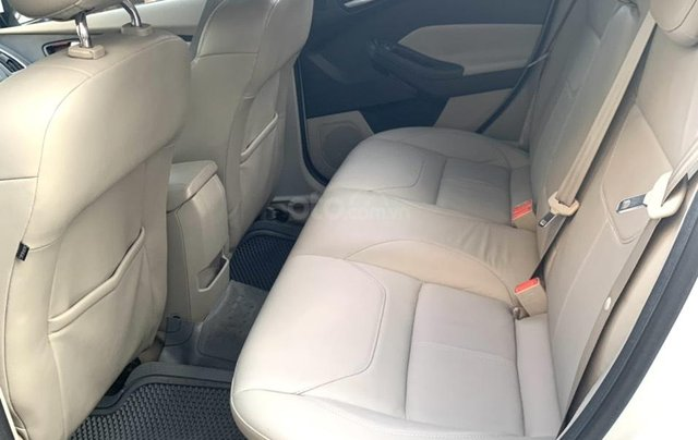 Cần bán lại Ford Focus Titanium 2017, xe gia đình, đi 30000km - 600 triệu4