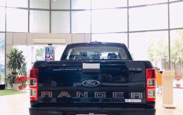 Ranger XLS 2020 màu xanh lam, nhập khẩu1