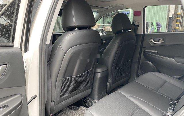 Cần bán xe Hyundai Kona sản xuất 2019 còn mới7