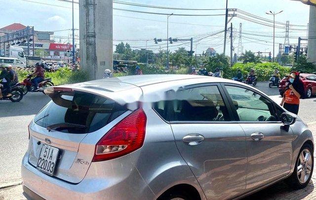 Cần bán xe Ford Fiesta năm 2011, màu bạc 1