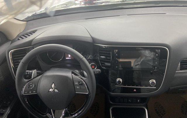 Mitsubishi Outlander giá rẻ nhất miền Bắc - Ưu đãi ngập tràn - Tặng 100% thuế5