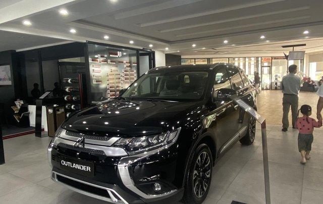 Mitsubishi Outlander giá rẻ nhất miền Bắc - Ưu đãi ngập tràn - Tặng 100% thuế0