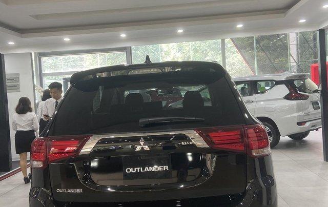 Mitsubishi Outlander giá rẻ nhất miền Bắc - Ưu đãi ngập tràn - Tặng 100% thuế3