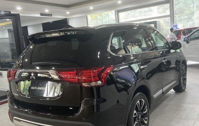 Mitsubishi Outlander giá rẻ nhất miền Bắc - Ưu đãi ngập tràn - Tặng 100% thuế4