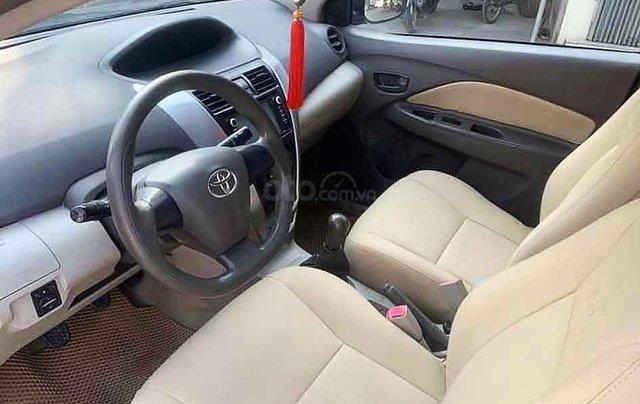 Bán Toyota Vios sản xuất năm 2013, màu bạc còn mới1