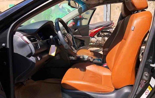 Cần bán lại xe Toyota Camry năm sản xuất 2018, màu đen còn mới3