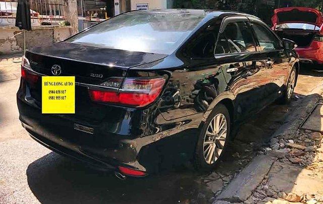 Cần bán lại xe Toyota Camry năm sản xuất 2018, màu đen còn mới2