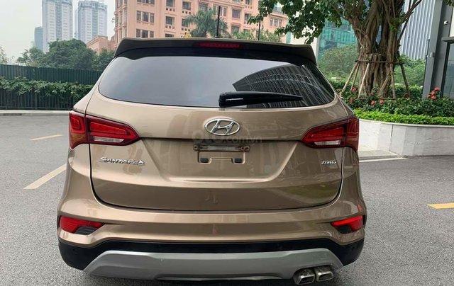 Cần bán Hyundai Santa Fe 2017 bản full xăng3