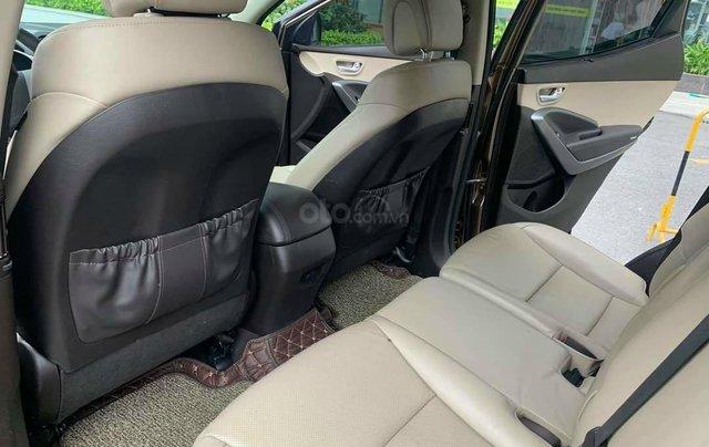 Cần bán Hyundai Santa Fe 2017 bản full xăng6