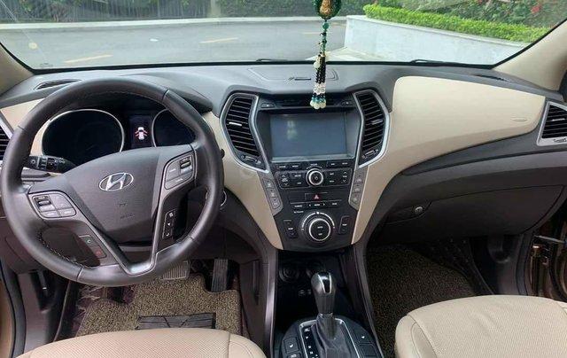 Cần bán Hyundai Santa Fe 2017 bản full xăng7