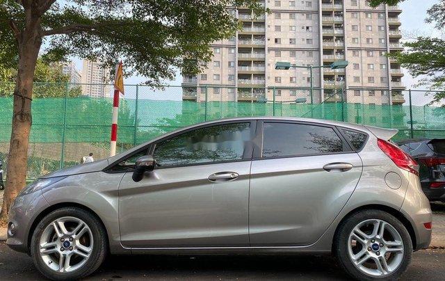 Bán Ford Fiesta sản xuất năm 2013, màu xám số tự động1