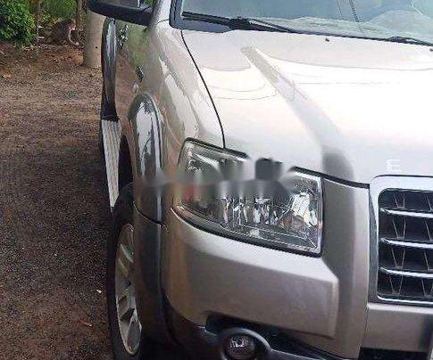 Bán ô tô Ford Everest sản xuất năm 2007, màu bạc, xe nhập đẹp như mới4