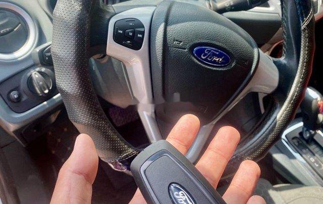 Cần bán xe Ford Fiesta năm 2011, màu bạc 2