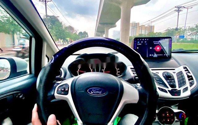 Cần bán xe Ford Fiesta năm 2011, màu bạc 6