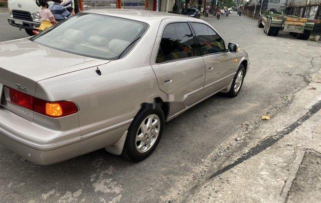 Cần bán lại xe Toyota Camry sản xuất năm 2002, giá ưu đãi3