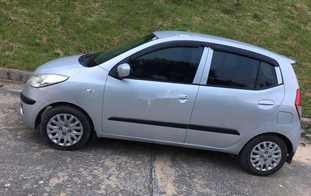 Cần bán xe Hyundai Grand i10 2010, màu bạc, xe nhập3