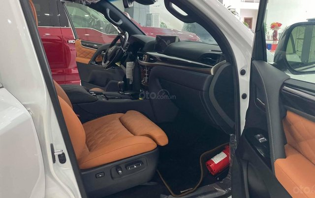 Bán Lexus LX570 Super Sport MBS 2021, bản 4 chỗ siêu VIP, giá siêu tốt6