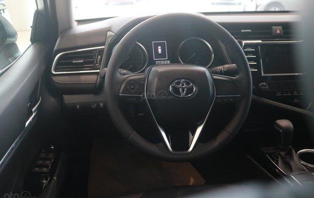 Bán xe Toyota Camry 2.5Q đời 2020, màu đen4
