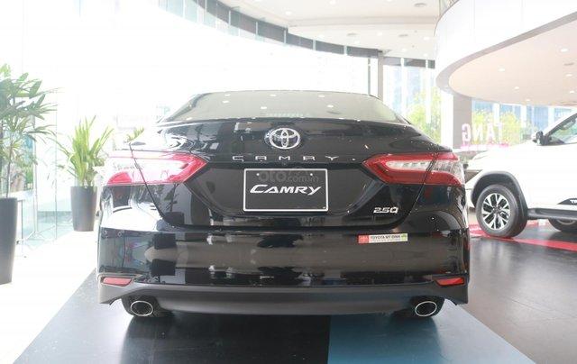 Bán xe Toyota Camry 2.5Q đời 2020, màu đen2