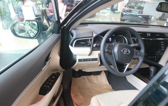 Bán xe Toyota Camry 2.5Q đời 2020, màu đen7