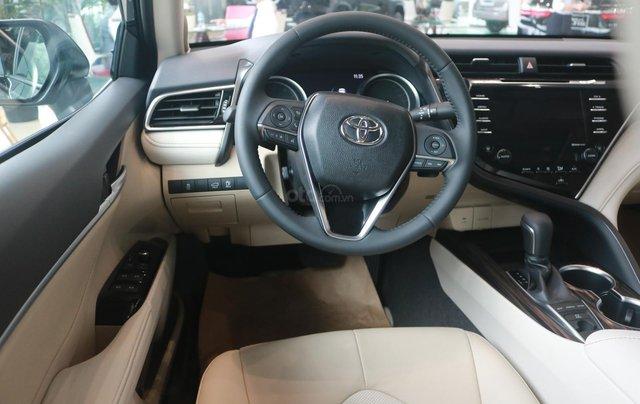 Bán xe Toyota Camry 2.5Q đời 2020, màu đen9