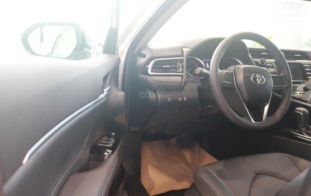 Bán xe Toyota Camry 2.0Q đời 2020, màu trắng6
