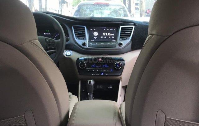 Bán xe Hyundai Tucson sản xuất 2018, màu trắng, số tự động, xe đẹp như mới8