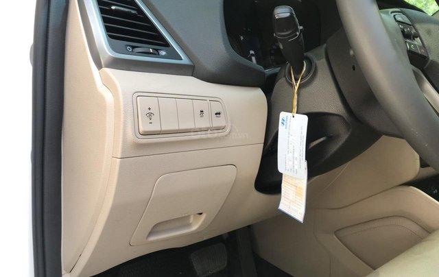 Bán xe Hyundai Tucson sản xuất 2018, màu trắng, số tự động, xe đẹp như mới11