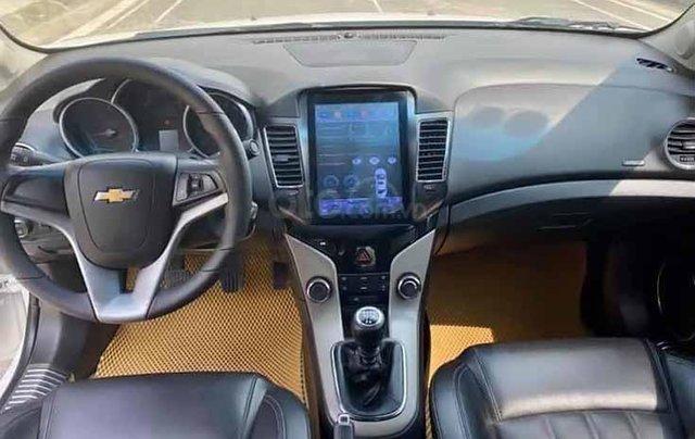 Bán Chevrolet Cruze năm sản xuất 2017, màu trắng, số sàn3
