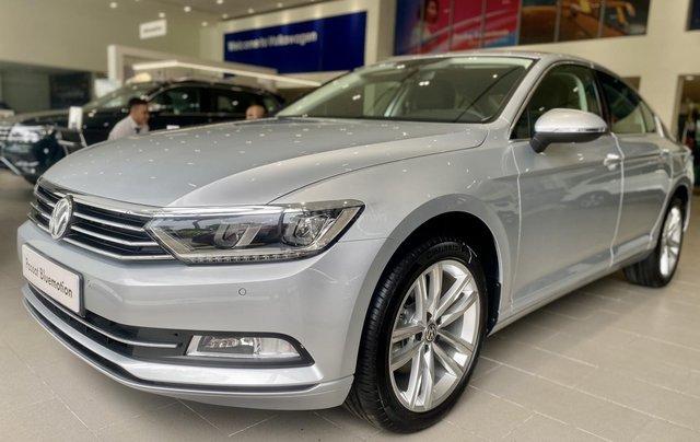 Passat Bluemotion màu bạc - Sedan 5 chỗ nhập 100% Đức - giảm hơn trước bạ và nhiều quà tặng phụ kiện cuối năm0