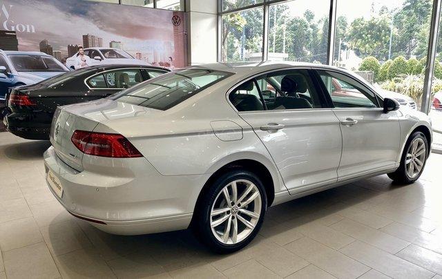 Passat Bluemotion màu bạc - Sedan 5 chỗ nhập 100% Đức - giảm hơn trước bạ và nhiều quà tặng phụ kiện cuối năm9