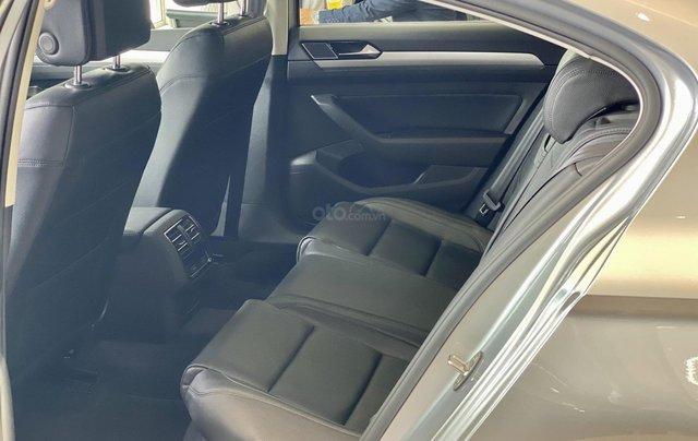 Passat Bluemotion màu bạc - Sedan 5 chỗ nhập 100% Đức - giảm hơn trước bạ và nhiều quà tặng phụ kiện cuối năm8