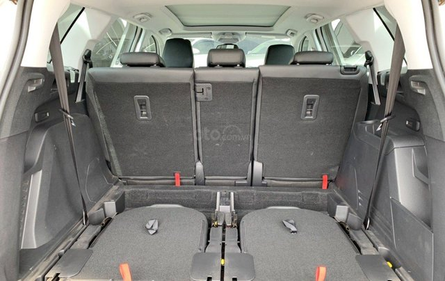 Peugeot 5008 1.6 turbo SX 2018, xe gia đình sử dụng, có hỗ trợ trả góp14